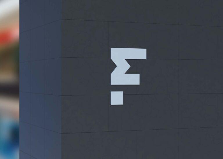 Free Viral Wall Logo Mockup